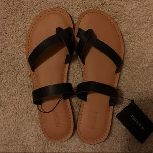 NWT Forever 21 Size 7 Sandals